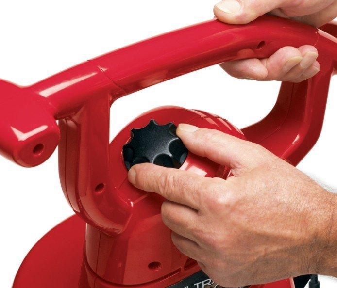 Komplett variable Luftgeschwindigkeitssteuerung  Passen Sie die Kraft der Aufgabe an. Motoren mit variabler Geschwindigkeit für bessere Kontrolle: Niedrige Geschwindigkeit für feste Oberflächen und enge Bereiche, hohe Geschwindigkeit für schwierige Rasenaufgaben.
