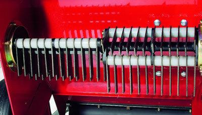 Stabiler Rotor mit 48 pendelnd aufgehängten Vertikutiermessern