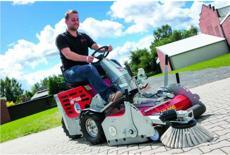 Kehrmaschinen: Westermann - Cleanmeleon 2 Electric - Batteriebetrieben, 4 x 12V, 80Ah