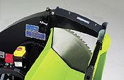Das beste Blatt. Kernstück der Mr. Paldu 700 ist das professionelle Hartmetall-Sägeblatt für beste Schnittleistung und lange Lebensdauer. Eine Metallabdeckung über dem Schneidbereich sorgt für Sicherheit.