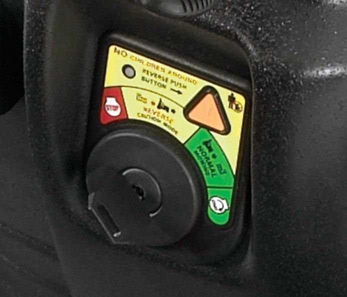 KeyChoice-System: Das KeyChoice-Rückwärtsgangsystem von Toro erhöht die Sicherheit beim Rückwärtsfahren ohne Leistungseinbuße.