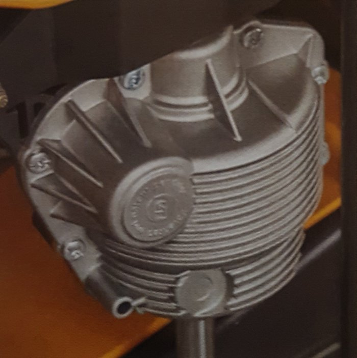 HOCHWERTIGES GETRIEBE Das Aluminiumgehäuse stellt eine hohe Haltbarkeit des Getriebes sicher.