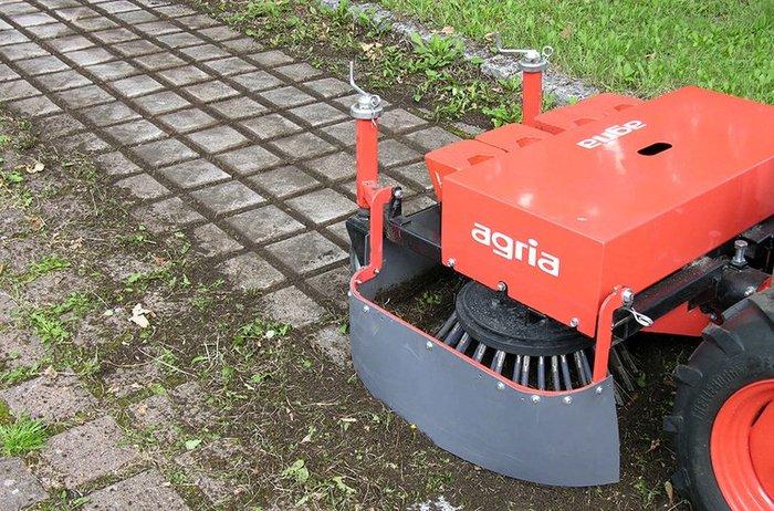 agria 3400 mit Wildkrautbürste B 100