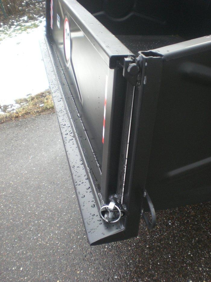 Schürfkante und hintere Rahmenkonstruktion