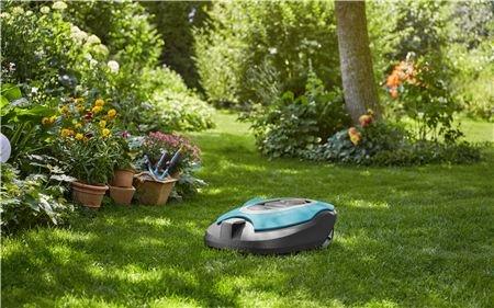 Ideal für komplexe Rasenflächen Große und verwinkelte Gartenstrukturen sind für den GARDENA smart SILENO kein Problem. Auch komplexe Rasenflächen bis zu einer Größe von 750 Quadratmeter mäht er vollautomatisch, zuverlässig, streifenfrei und gleichmäßig.